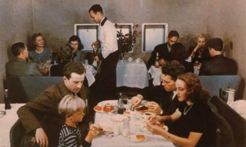 b314-dining-color-178-web.jpg (135 KB)
