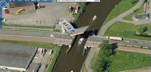 flying_bridge6.jpg (36 KB)