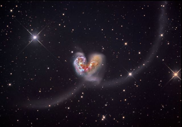 NGC4038_ssro.jpg (307 KB)