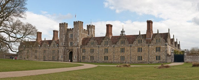 Knole,_Sevenoaks_in_Kent_-_March_2009.jpg (4 MB)