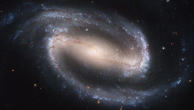 800px-Hubble2005-01-barred-spiral-galaxy-NGC1300.jpg (66 KB)