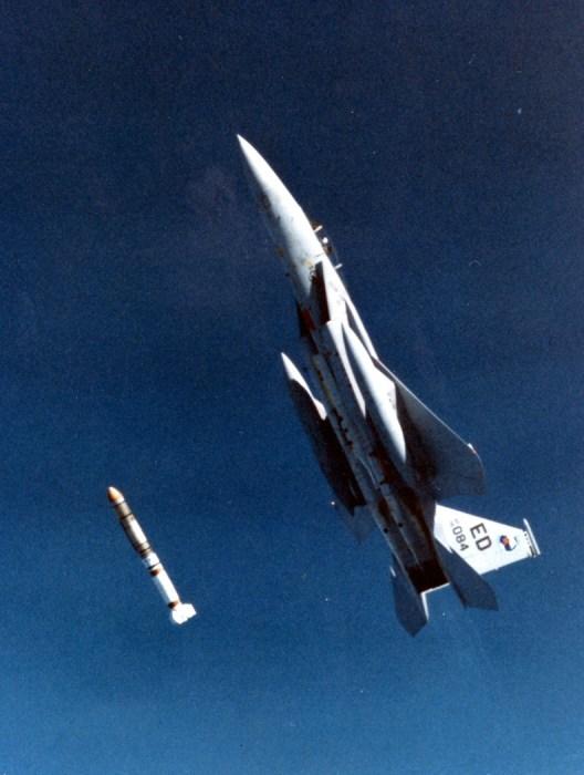 ASAT_missile_launch.jpg (591 KB)