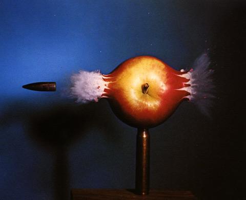bullet-apple-s.jpg (39 KB)