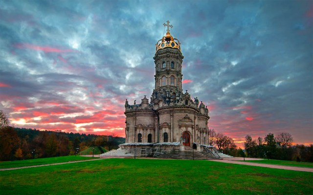 Church-of-the-Sign-of-Our-Lady-in-Dobrovitsy.jpg (93 KB)