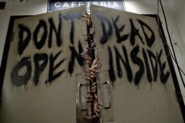 the-walking-dead-season-1-dont-open-dead-inside.jpg (188 KB)