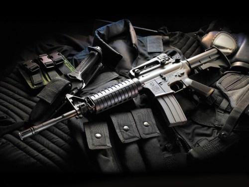 Weapon_wallpaper_007.jpg (164 KB)