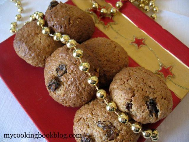 Сладки със сусамов тахан, овесени ядки, орехи и стафиди