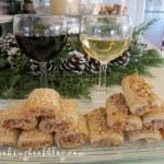 Солени пурички с плънка от синьо сирене, орехи и крема сирене