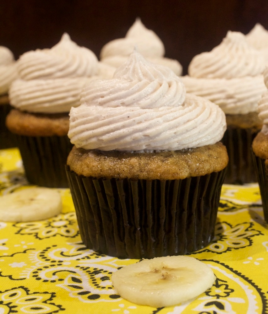 Banana Cupcakes with Cinnamon Buttercream