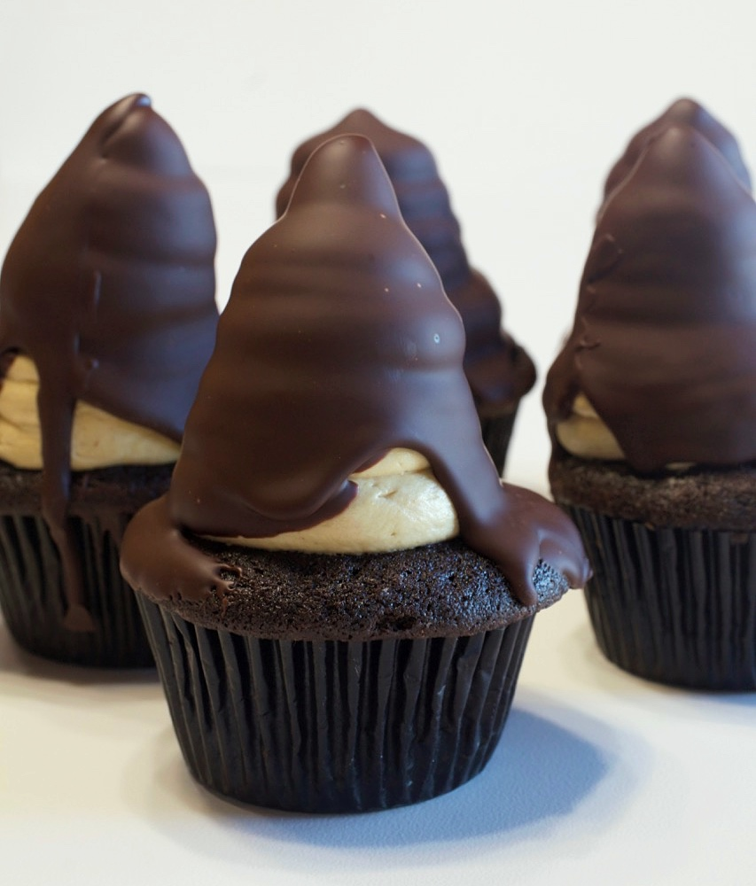 Chocolate-Peanut Butter Hi Hat Cupcakes