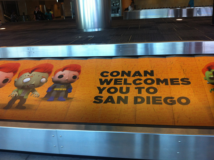 01 - San Diego Comic Con 2015 - Star Wars Epic Yarns - Airport Arrival