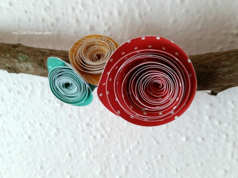 easy rolled paper flowers