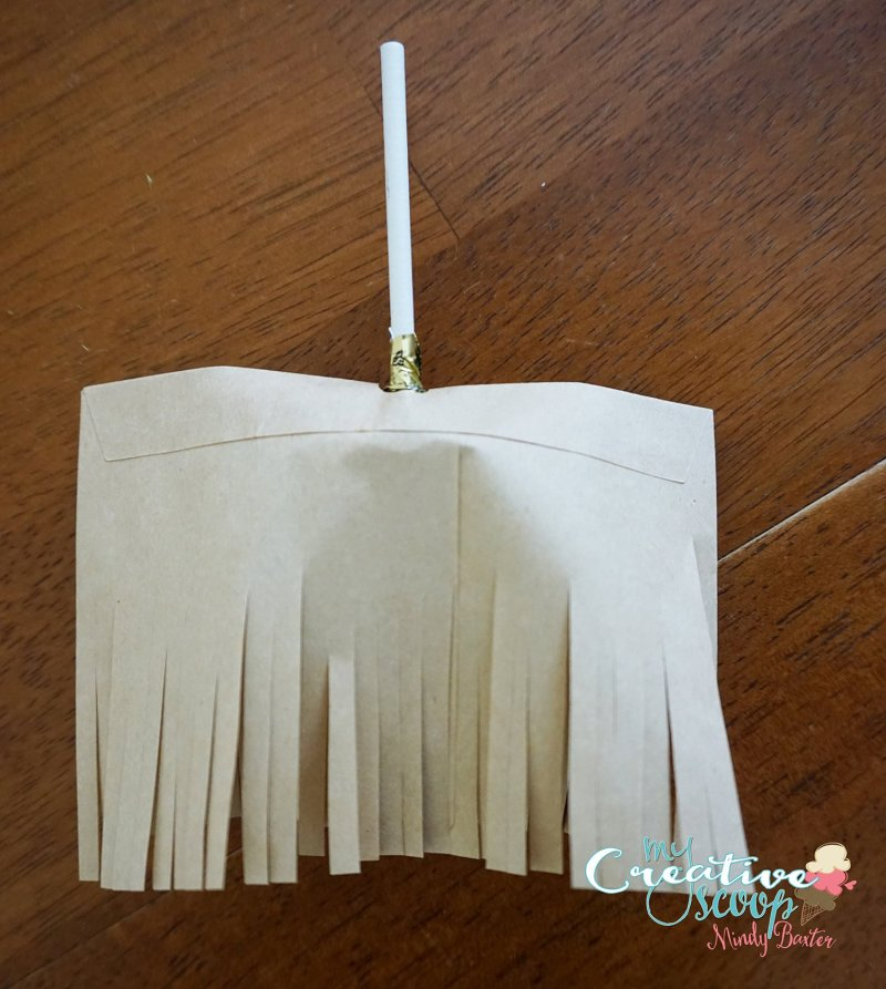 DIY Witch Broom LolliPops (5)