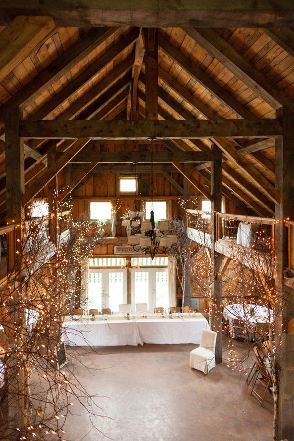 30 romantic indoor barn wedding decor