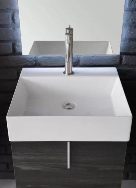 Lavabo Mood in ceramica, bianco lucido, con troppopieno. L 51.5 x P 51.5 x A 16 cm