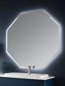 Specchiera sospesa Polygon 3 con telaio in finitura brill, specchio bisellato, senza interruttore. L 120 x P 3 x A 120 cm