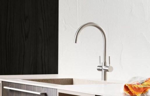 Piano con vasca integrata piccola Rocha in gres, senza troppopieno. L 301 (max) x P 51 x SP 1 cm