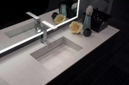 Piano con vasca integrata piccola ST stratidicato HPL, senza troppopieno. L 301 (max) x P 51 x SP 1 cm