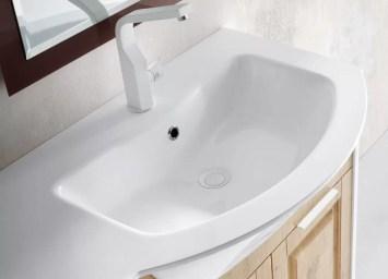 Lavabo integrato Versus in mineralguss, bianco lucido, con troppopieno. L 211 (max) x P 51 x SP 1.3 cm