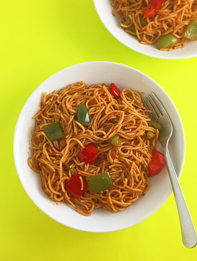 spaghetti cooked with stewed tomato sauce