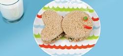Τα 7 must της καλοκαιρινής διατροφής του παιδού