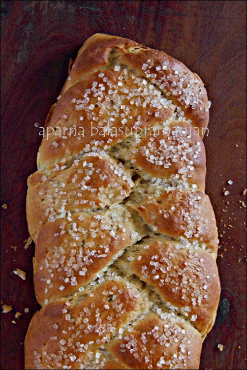 Cardamom Bread Recipe | My Diverse Kitchen - A Vegetarian Blog