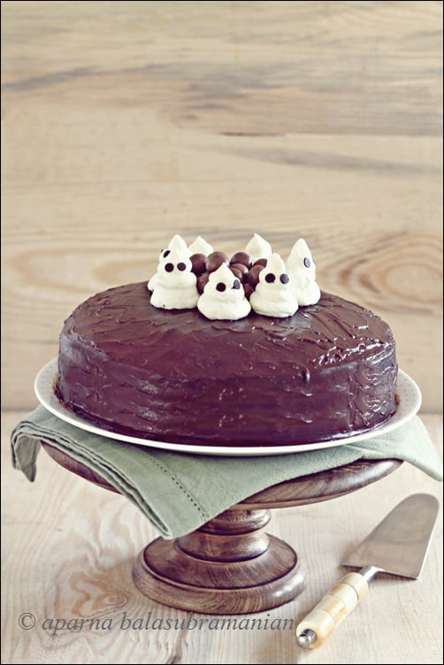 A Spook-tacularly Boo-tiful Cake – An Easy Ganache Covered Chocolate Cake With Meringue Ghosts!