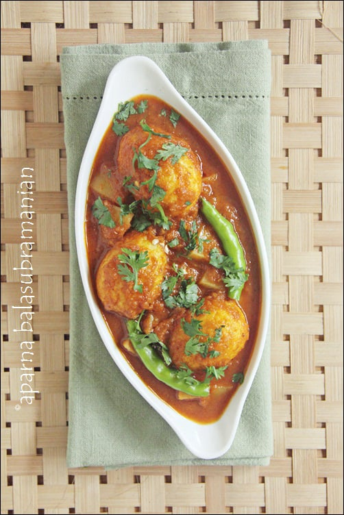 BongMom's Cookbook : Review,  Bengali Spicy Egg Curry/ Dim Kosha & Giveaway!