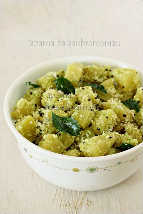 Kadachakka (Sheemachakka) Poduthuval/Thoran – Indian Style Stir-fried Bread Fruit With Coconut