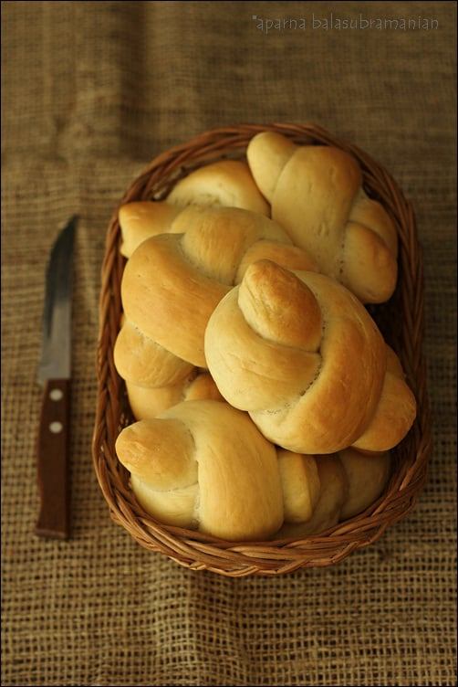 Whole Wheat Tangzhong Bread Knots