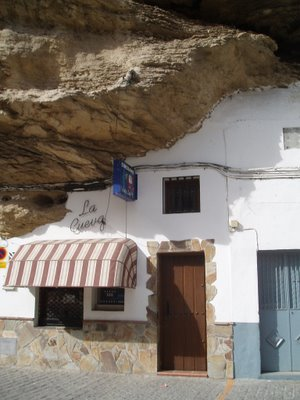 cave_houses_1