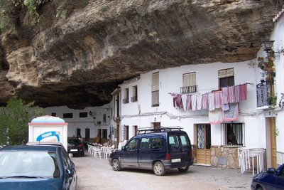 cave_houses_3