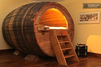 beer-barrel-bed-room