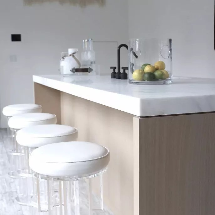 Breakfast bar with neutral and white