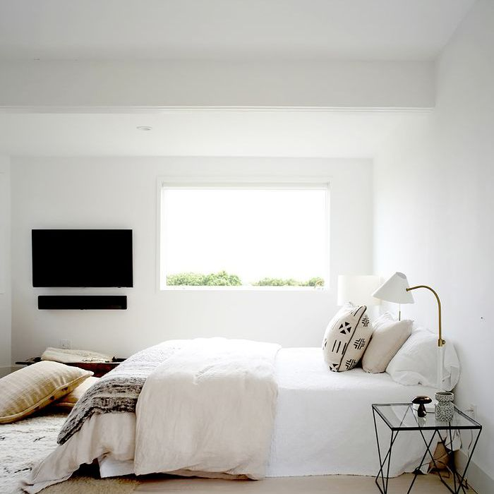 27 Minimalist Bedroom Ideas to Inspire You to Declutter on Bedroom Minimalist Ideas  id=69880