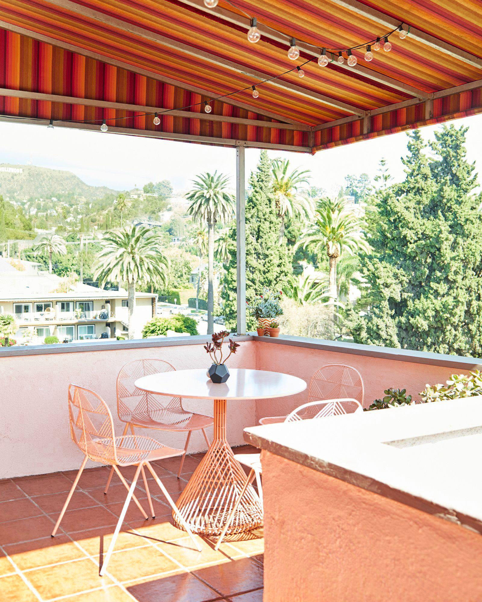 17 apartment patio ideas to create an
