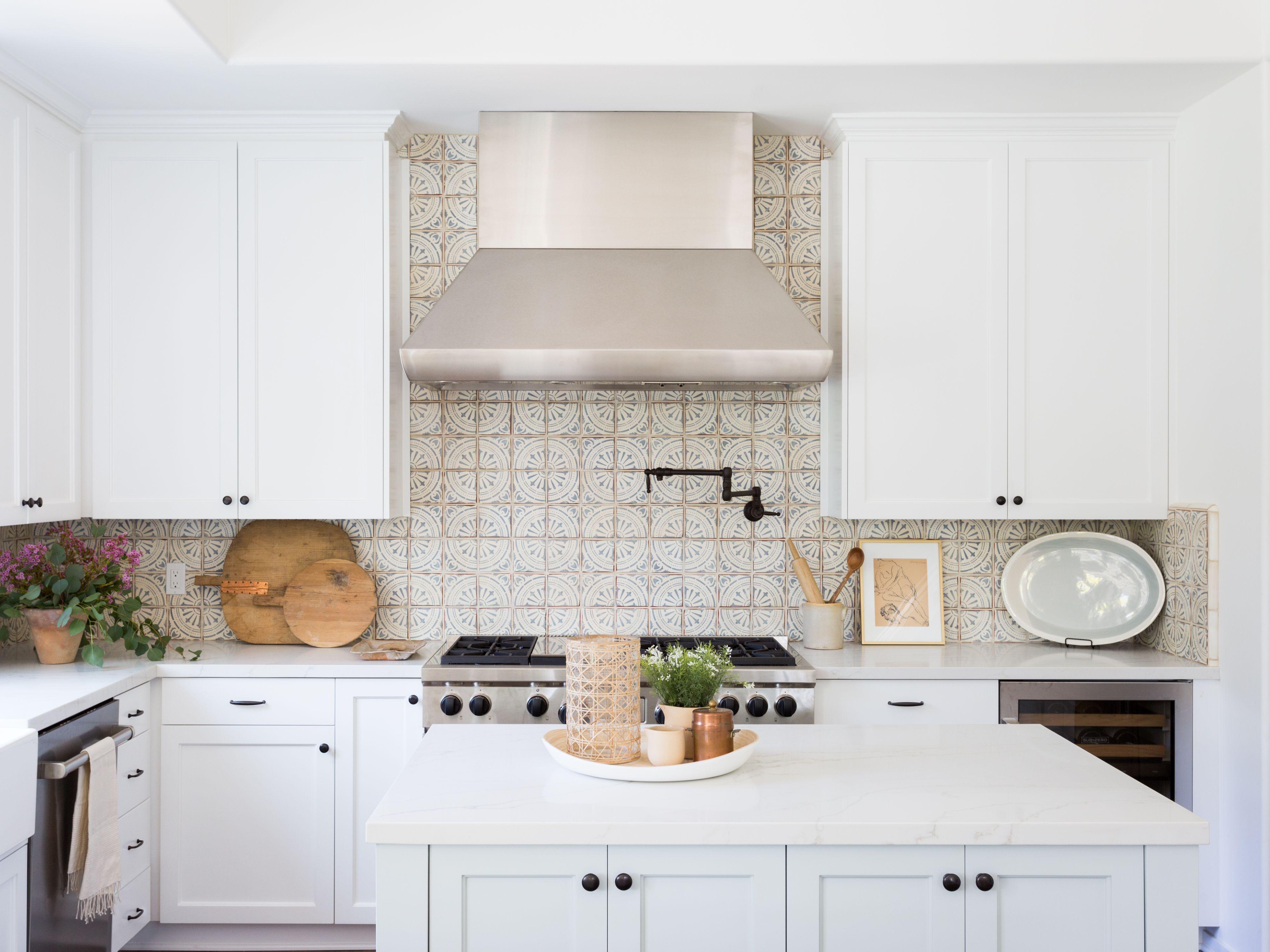 27 Kitchen Tile Backsplash Ideas We Love