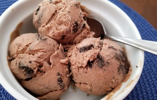 No-Churn Chocolate Oreo Cookie Ice Cream