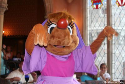 My Dreams of Disney, Cinderella Castle, Perla