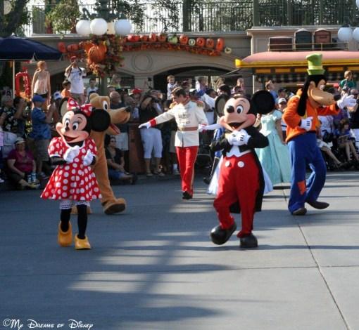 Mickey & Minnie taking a 40th Birthday Stroll!