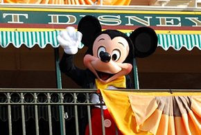 Mickey_Mouse_Main_Street_RR_Station_106_290
