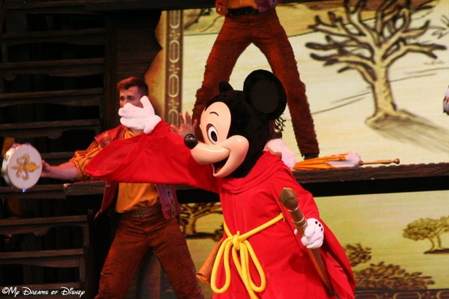 Apprentice Mickey in Mickey and the Magical Map!