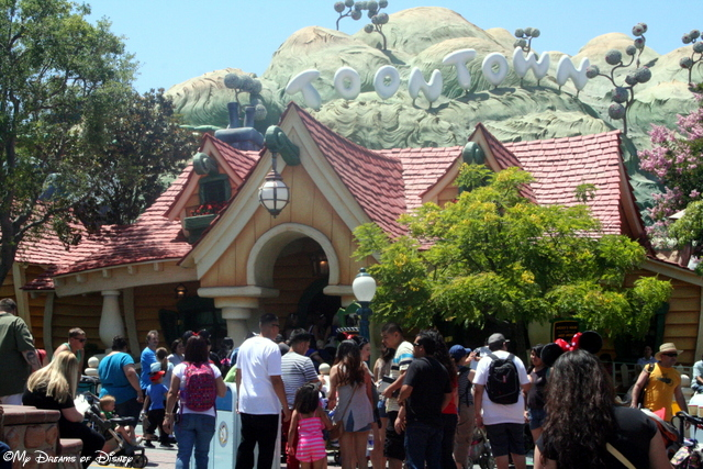 Mickey's House is also the location where you can meet Mickey!