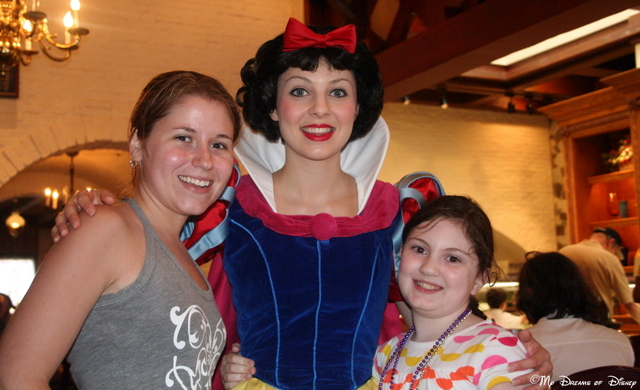 Stephanie, Snow White, and Sophie enjoy a picture at Akershus!
