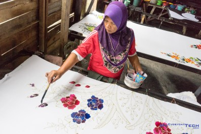 Colouring the batik