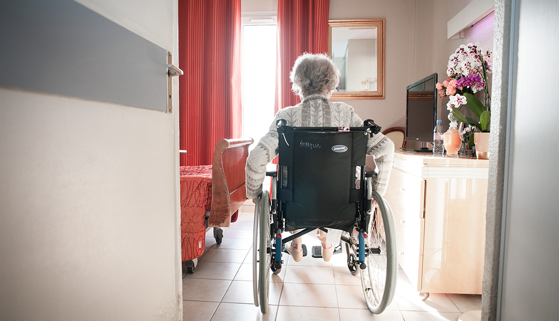 Province allows visits on many long-term care homes following health measures amid COVID-19