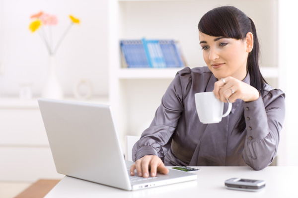 woman-shopping-online-at-work