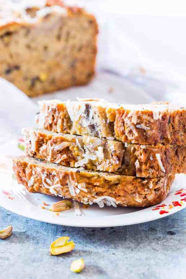 You only need a few simple ingredients to make this healthy and super quick coconut pistachio banana bread. Moist, nutty and the perfect holiday snack.