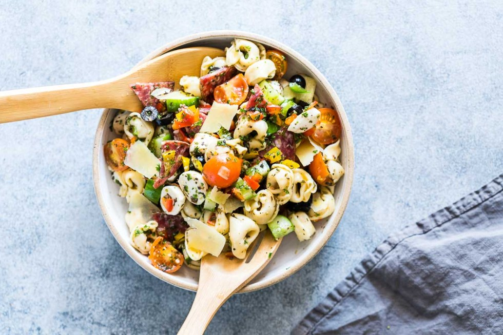 Italian Antipasto Tortellini Pasta Salad is the easiest, cold pasta salad that can be made ahead for picnics, barbecues and family lunches! Also get the recipe for homemade italian salad dressing.