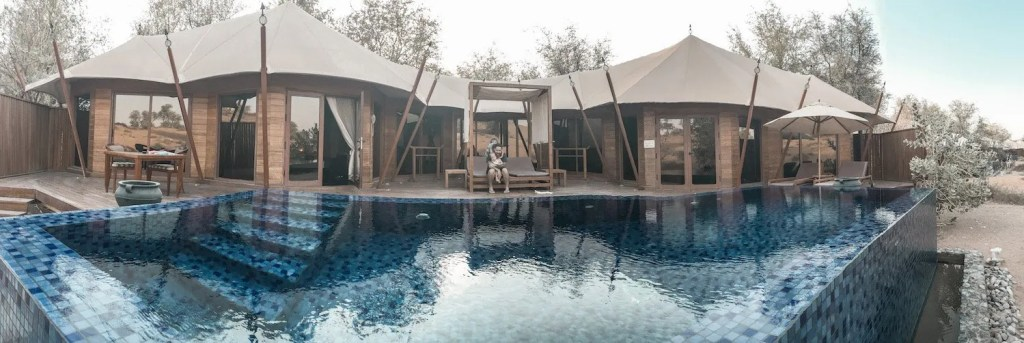 Exclusivity at it's best - Al Khaimah Villa with pool
